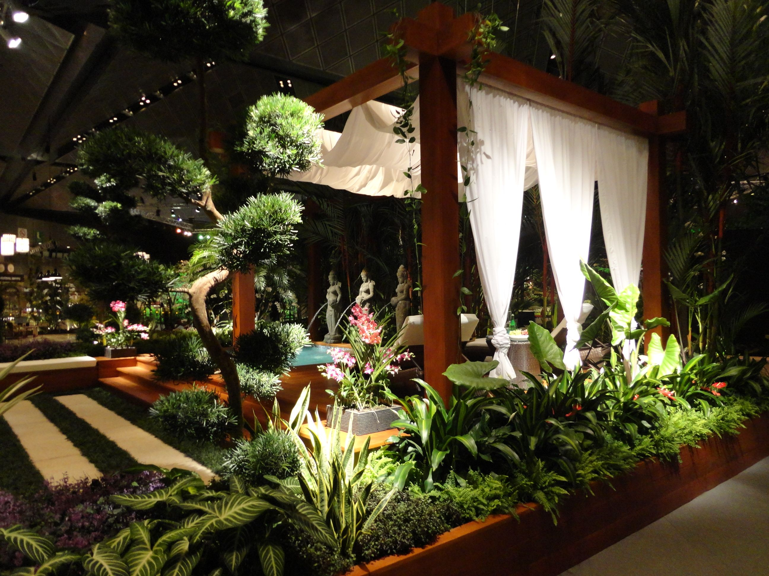 Local landscape designer wins at singapore garden festival for Local landscape designers